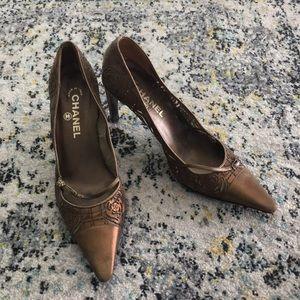 Chanel 38.5 heels